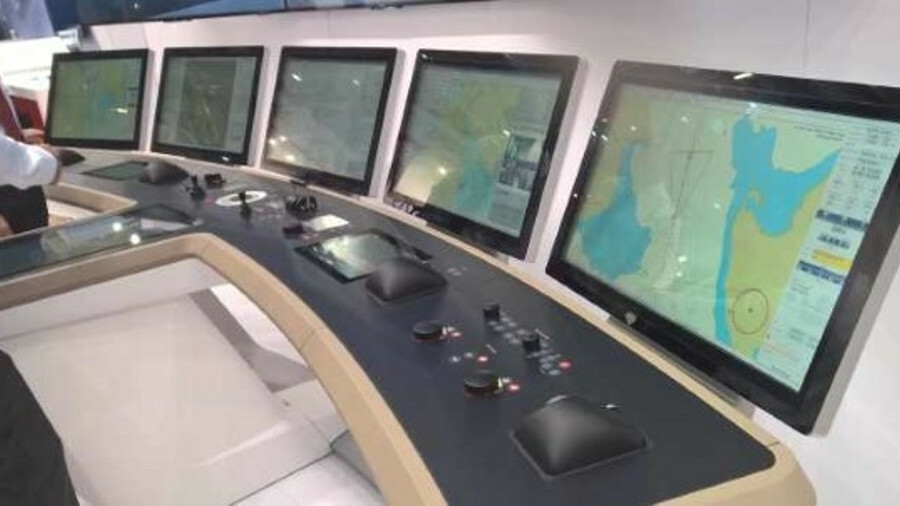 Raytheon Anschütz introduced a bridge integration platform to its INS (credit: Riviera Maritime Medi