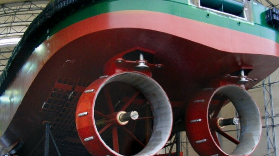 A Gridcooler was specifically engineered then installed on a tug in the US