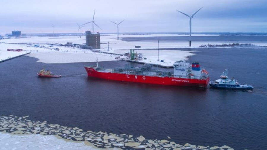 The 18,000 m3 ice class 1A Super Coral EnergICE is the only coastal LNG carrier delivered during the