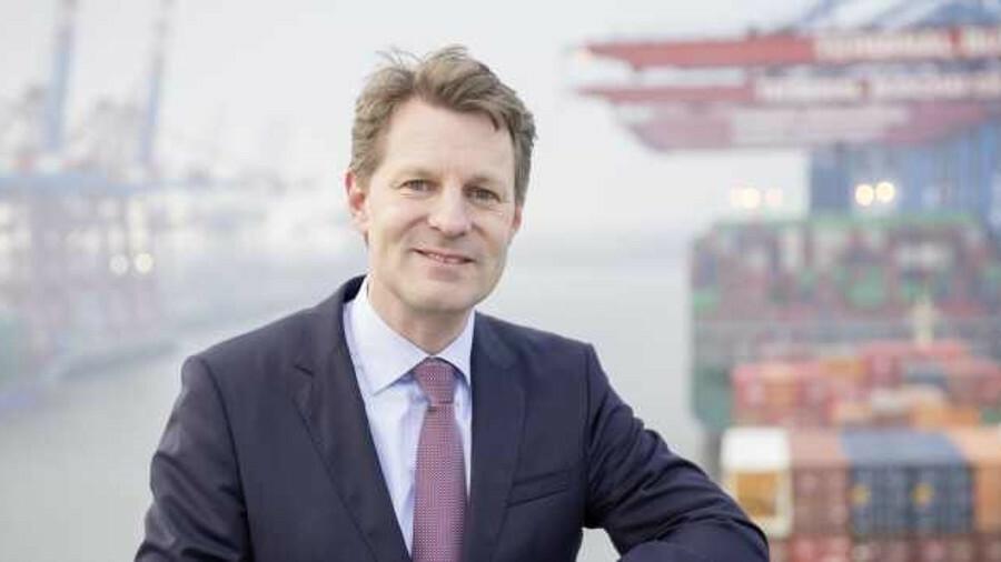 Nils Aden: ER Schiffahrt has installed an array of communications technology
