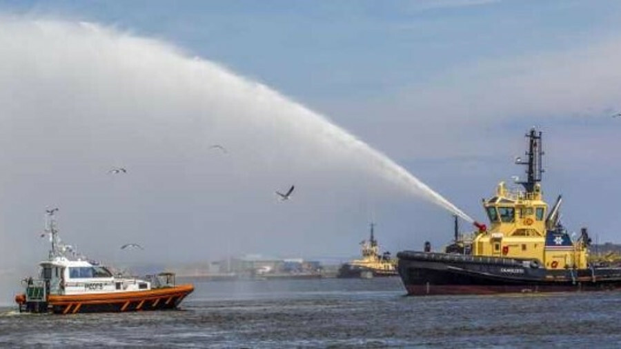 Craigleith sprays water over Forth Puma at the naming ceremony on the Forth