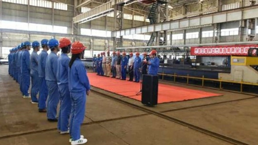 Jiangsu Zhenjiang Shipyard cut steel in this ceremony on a RAstar 3800-DF LNG-fuelled tug in June