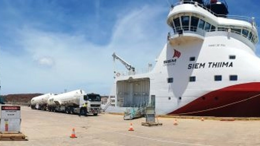 LNG bunkering operation by truck in Western Australia
