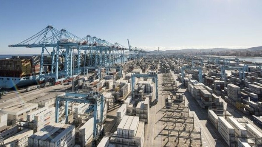 Maersk's remote container management allows technicians to monitor all of its 270,000 reefer contain