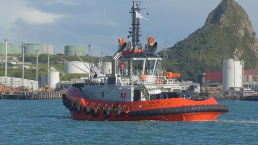 Kinaki is a TRAktor 2500-SX-design harbour tug with twin Rolls-Royce Z-drives