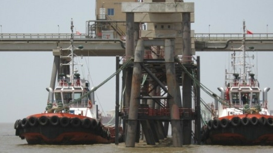 Now handling five LNG carrier visits per week, the Dahej terminal escort and berthing tugs are about