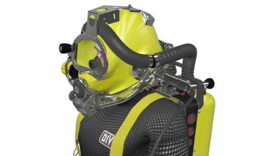A diver wearing JFD's COBRA rebreather (credit: JFD)