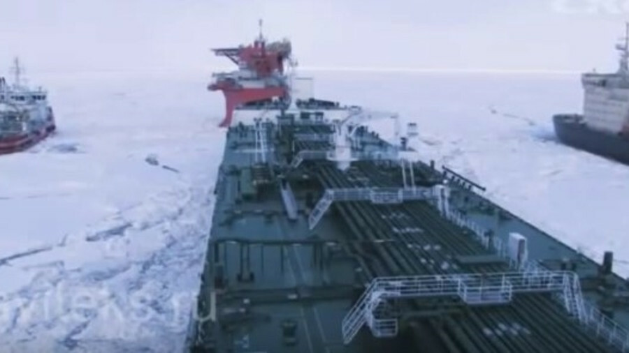 Oil loading at Varandey: Russian tanker fleet turns inwards for financing and construction
