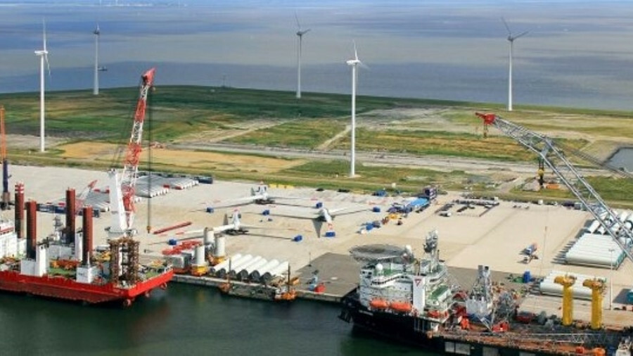 In order to enable the growth of Europe's offshore wind capacity, ports need to invest in new infras
