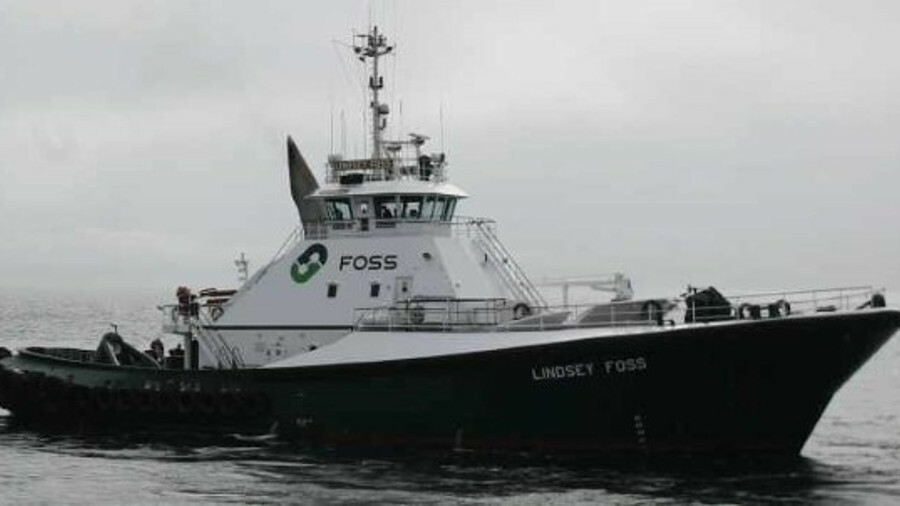 Tractor tug <i>Lindsey Foss</i> assists ships on the west coast of North America