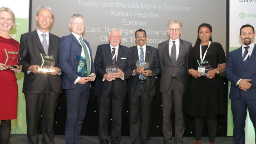 <p>TST Award winners: (from left)<br /> <b>Technical Innovation:</b>&nbsp; Catrine Vestereng, DNV GL