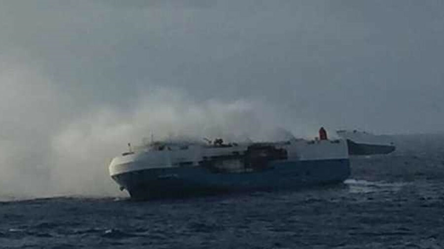 Car carrier <i>Sincerity Ace</i> on fire halfway between Hawaii and Japan (source: Fleetmon)