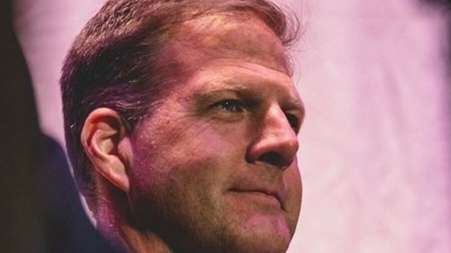 Governor Chris Sununu wants federal and state governments to work together on offshore wind in New H