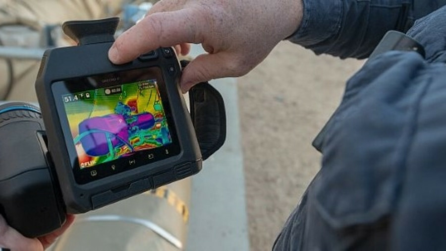 Infrared cameras such as the GF77 allow detection of gas leaks from a distance (credit: FLIR)