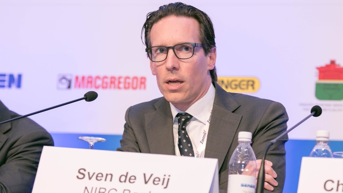 The role of banks in the OSV sector today