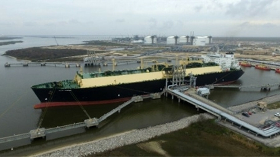 X The first commercial LNG export cargoes shipped from Sabine Pass LNG export terminal in 2016 (cred