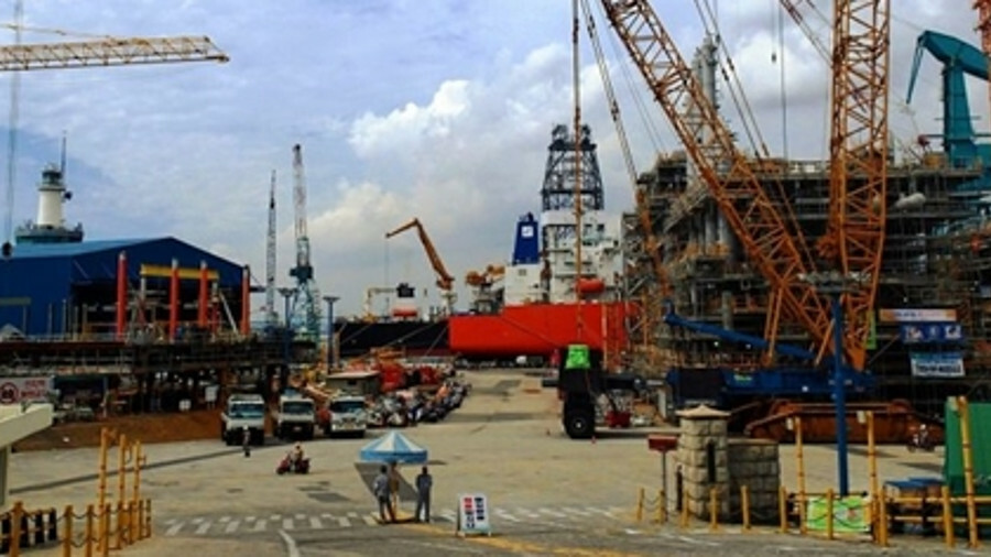 X Hyundai Heavy Industries is one of three shipyards that jointly delivered 12 Suezmax tankers in a