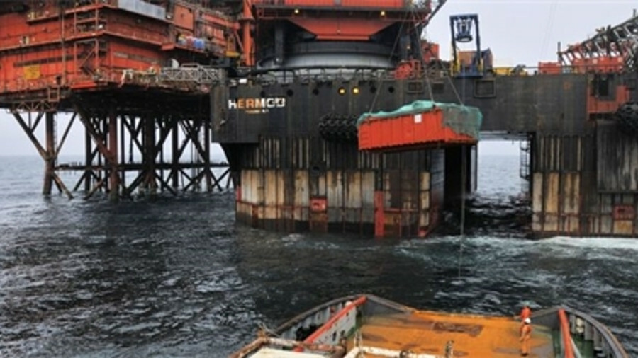 X The North West Hutton platform was decommissioned back in 2009, resulting in some 20,000 tonnes of