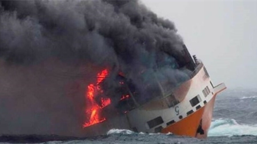 X <i>Grande America</i> sank in March in the Bay of Biscay after a major container fire (source: Mar