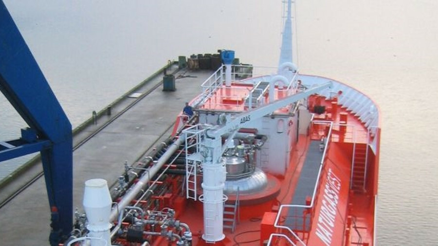 Integrated cargo and fuel systems will bring savings on a new Knutsen OAS small-scale gas carrier