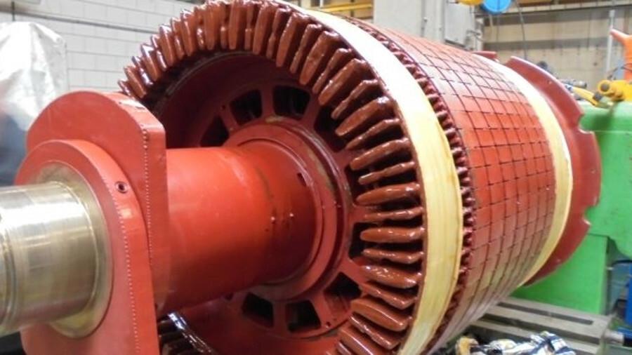 Stena Saga's bow thruster motor under repair by Bakker
