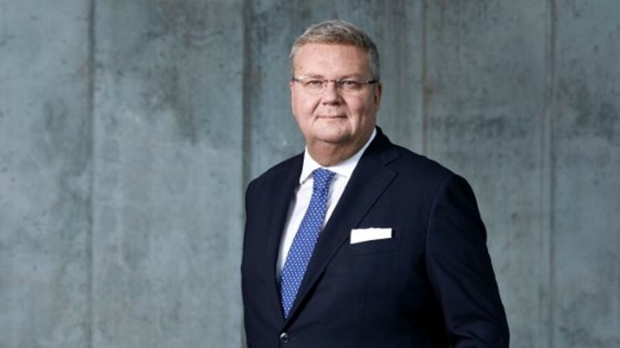 X Mr Runevad will remain involved with Vestas until mid-2020 and as chairman of MHI Vestas Offshore