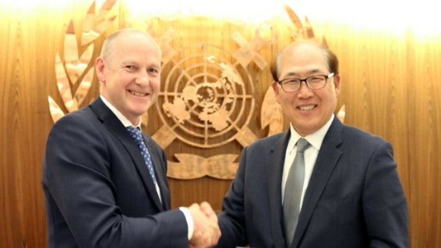 X IMO secretary-general Kitack Lim, pictured left with Norwegian Ministry of Climate and Environment