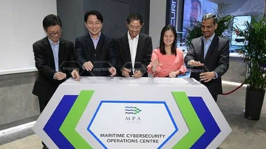 X Niam Chiang Meng (MPA) (centre) officially opened the Maritime Cybersecurity Operations Centre alo