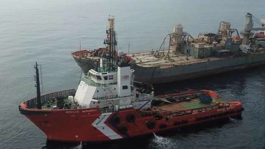 Salvors on towing tug Resolve Monarch monitored the status of Raysut II during the salvage tow