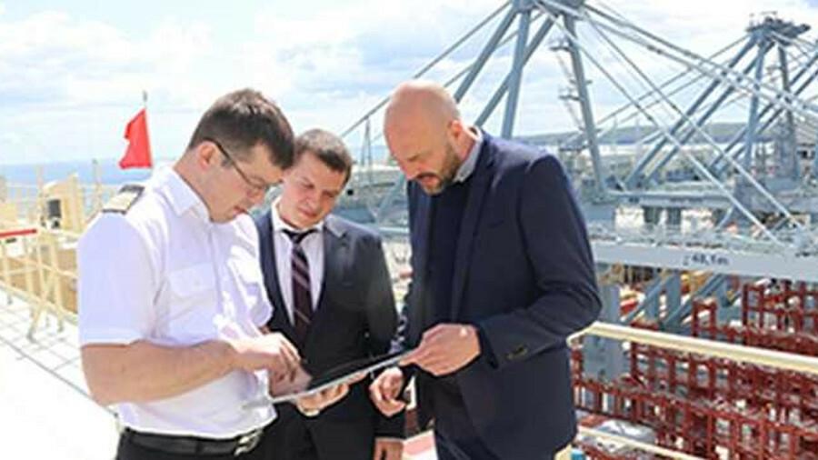 Maersk pilots crew e-certificate programme
