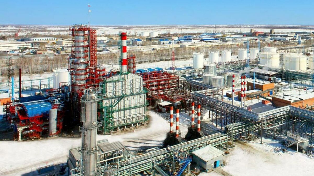 Antipinsky Oil Refinery-credit Antipinsky.jpg
