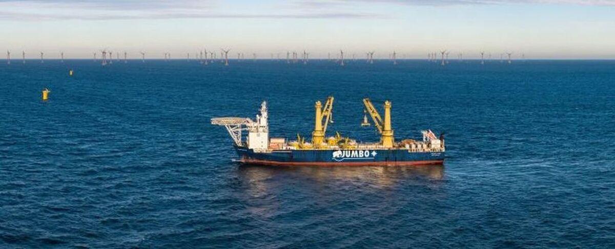 Jumboheavyliftvessel-windfarm.jpg