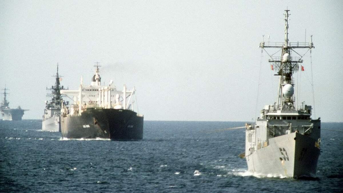 tanker-war-tanker-attacks-convoy-large.jpg