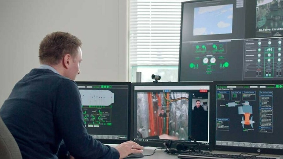 X Fjord 1 project engineer Kim Gunnar Jensenwas the employee at the shore-based engine control cent