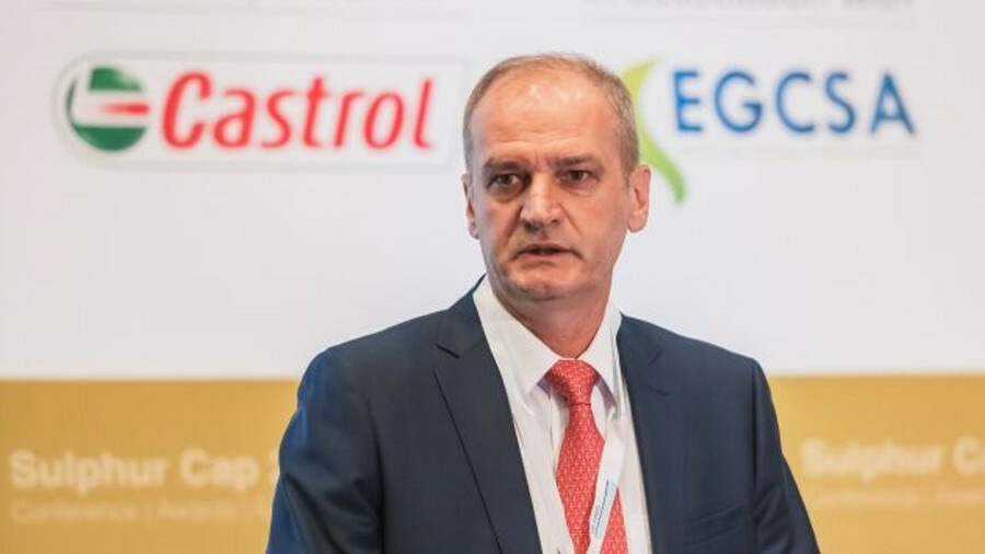 X Igor Tonkovidov (SCF): Gas-fuelled tankers were initially 15-18% more expensive than conventional