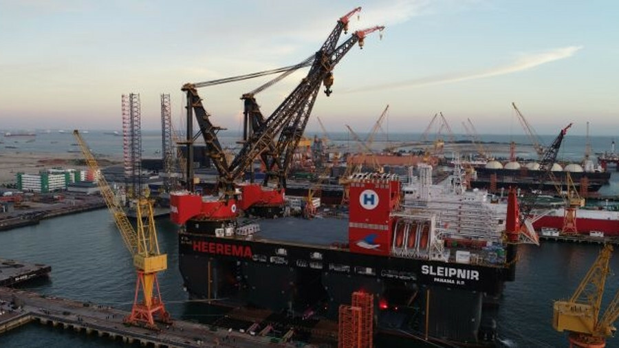 Dual fuel-capable, Sleipner is the world's largest semi-submersible crane vessel