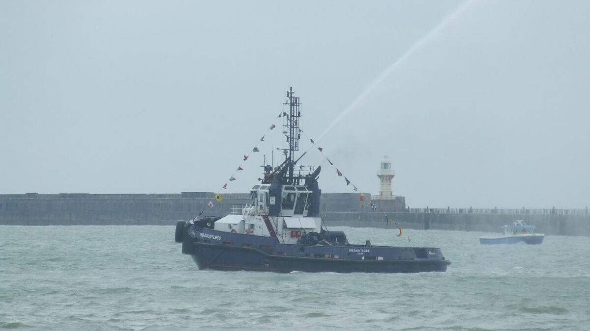 2000-built tugboat DHB Dauntless and a pilot vessel accompanied a new cruise ship into the Port of D