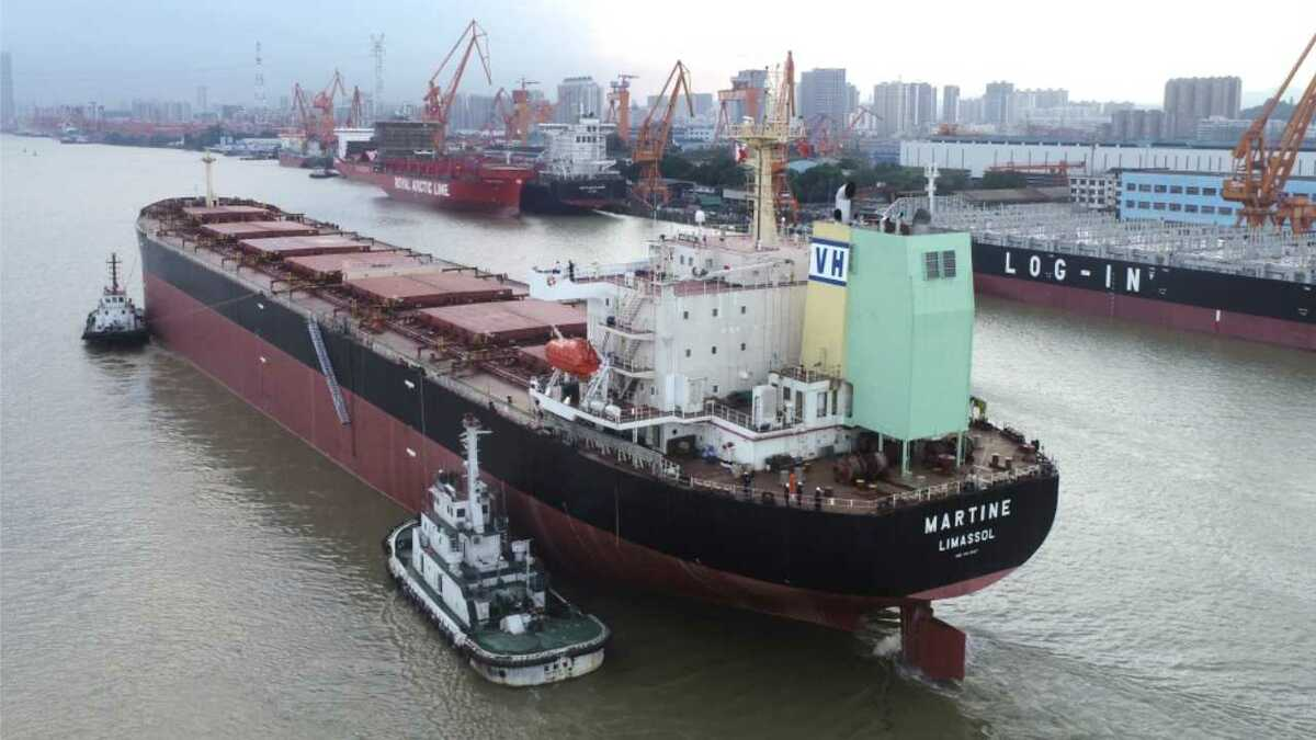 A U-type open-loop scrubber has been installed on Post-Panamax bulker Martine
