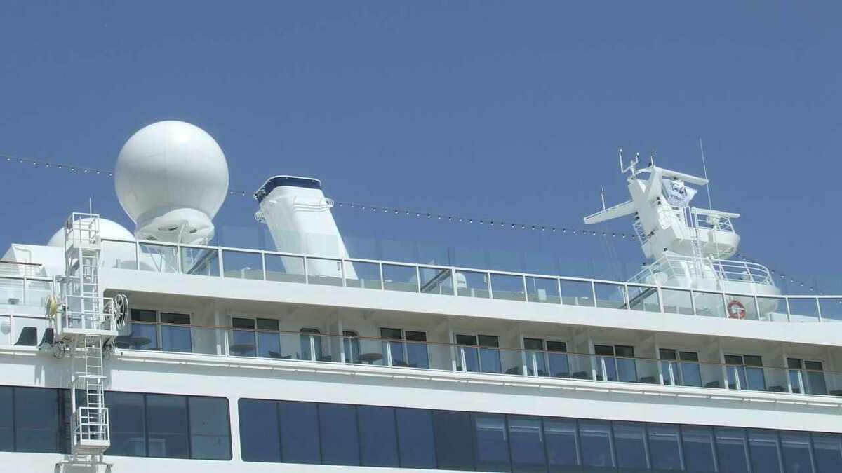Spirit of Discovery has dual-band VSAT, TVRO and radar antennas for satcoms and navigation