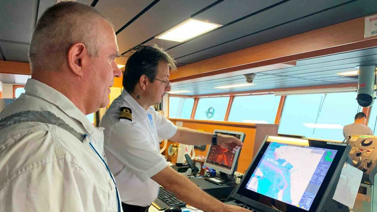 ECDIS is beneficial to Thome bridge officers