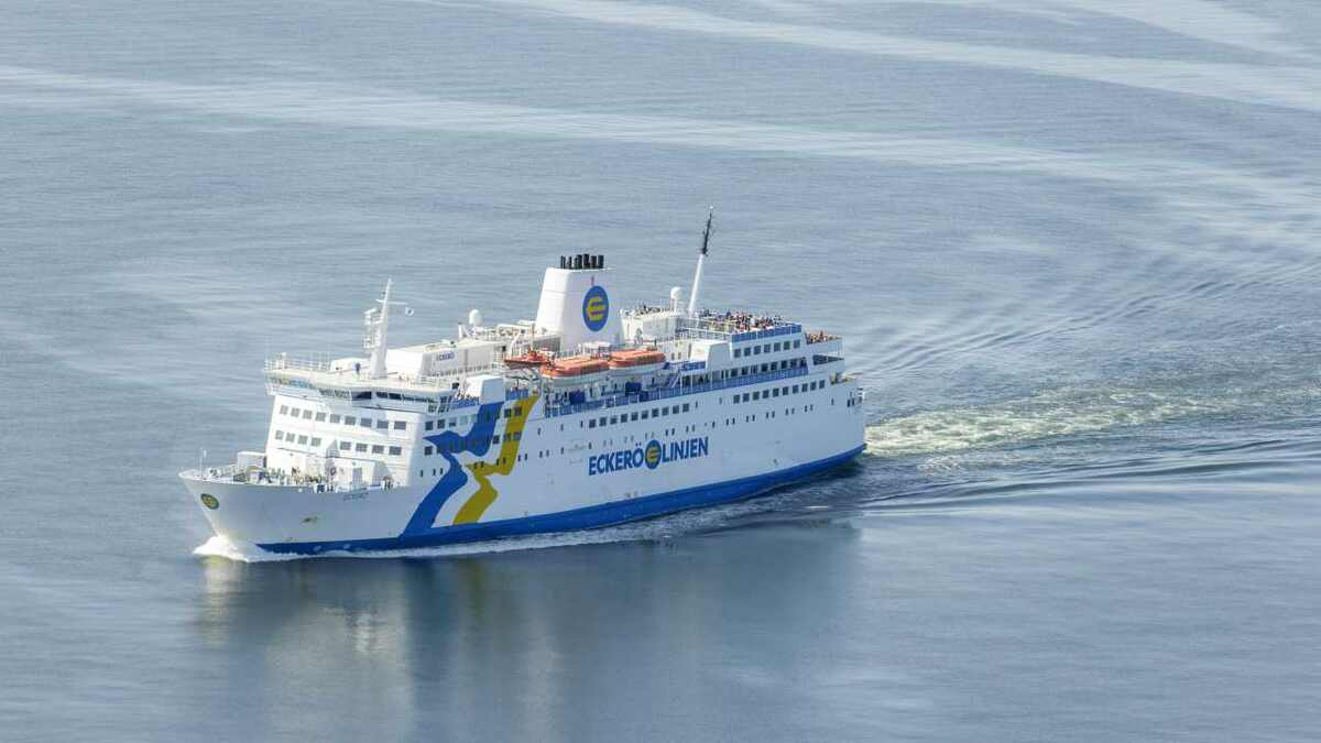 Rederi Eckero is using radio-link technology to link its ferries to shore in the Baltic