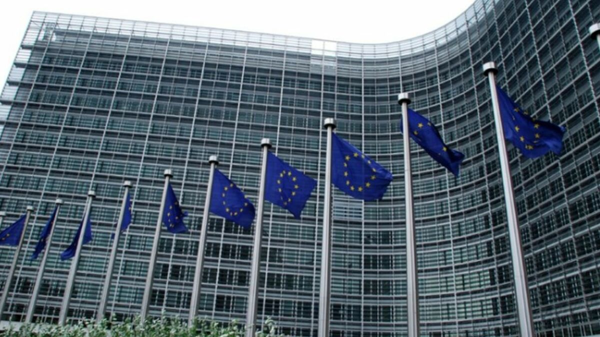 EU executive approves support for French sextet