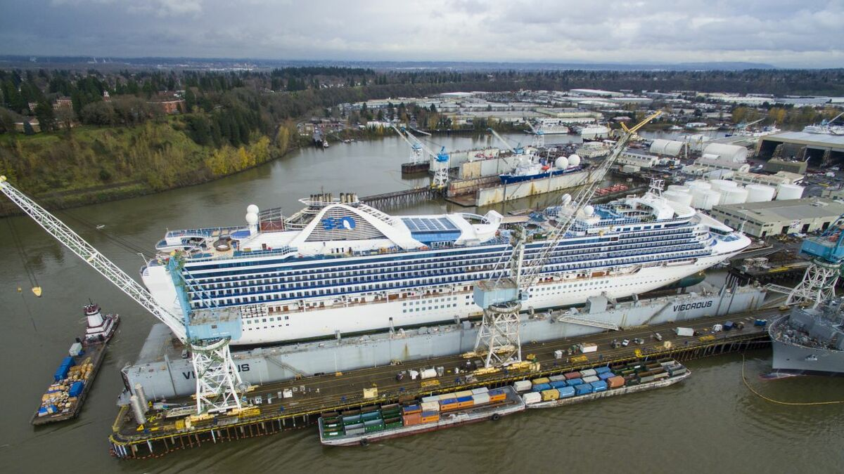 Grand Princess underwent hull cleaning and maintenace at its recent drydock