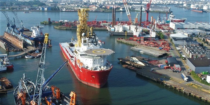 Construction vessel readied for transformation to J-lay vessel