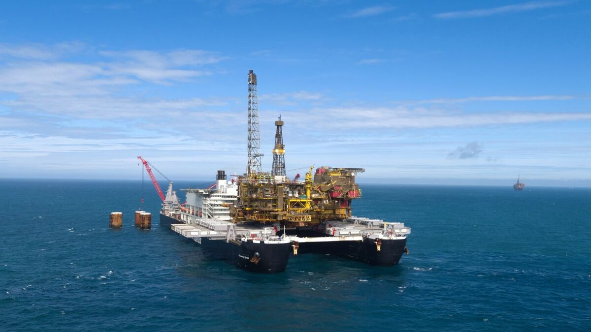 UK decommissioning projects provide 'lift' to vessel market