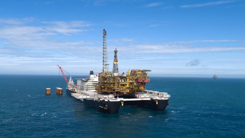 Pioneering Spirit can remove topsides in a single lift (image: Allseas)