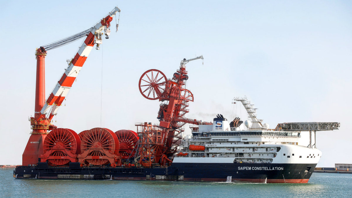 Saipem Constellation has the ability to lift fully loaded reels on board