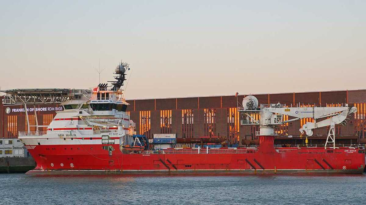 Siem Marlin is designed to carry out subsea ROV and crane operations (credit: Kees Torn)