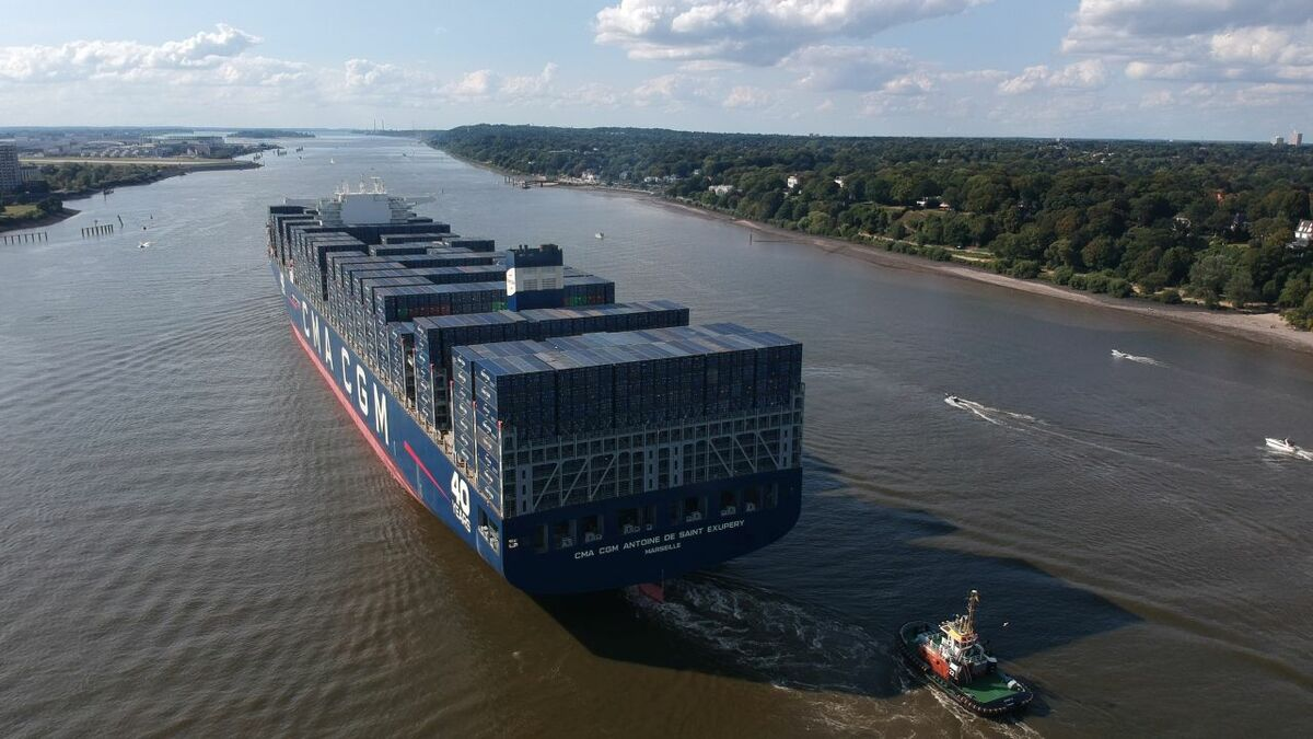 CMA CGM leaps into second place with its new mega-ship order