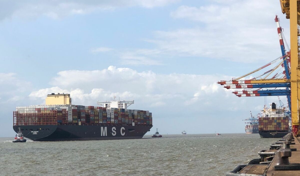 MSC Gülsün docking at Bremerhaven as part of its first voyage